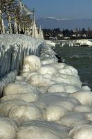 Ice day at the Lake Geneva, Versoix