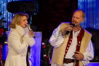 UweSingen gemeinsam Angela Wiedl und Uwe Erhardt