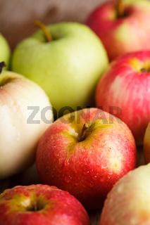 Apples crop