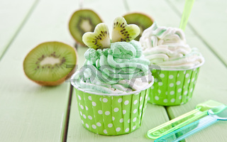 Vanille und Kiwi Eiscreme