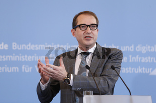 Statement by Minister Dobrindt bevor the first meeting of the started 'Germany Digital Network Alliance'