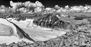 Blick ueber den Suottasjgletscher zu Niac, Suottasjtjahkka und dem Akkamassiv, Sarek Nationalapark, Welterbe Laponia, Lappland
