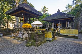 Pagoden und Altare im Quellentempel Pura Gunung Kawi,  Bali, Ind