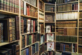 Atike Bücher