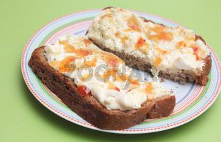 Brot mit Eiersalat