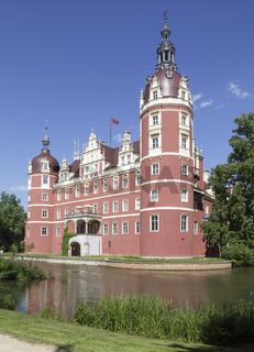 Neuen Schloss, Bad Muskau, in Muskauer Park, Fuerst Pueckler Park, Muskau Park, Bad Muskau, Saxony, Germany