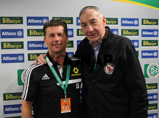 Cheftrainer Colin Bell(1.FFC Frankfurt),Bernd Schröder(Turbine Potsdam) DFB-Frauen-Hallenpokal 2014