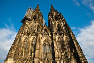 Westfassade, Doppelturmfront vom Kölner Dom mit Hängegerüst für Renovierungsarbeiten, Köln, Nordrhein-Westfalen, Deutschland