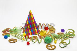 Stilleben mit Karnevalsutensilien