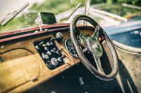 Steering wheel and dashboard of a Morgan 4