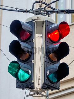 Ampel mit rotem und grünem Licht