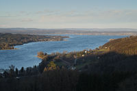 Blick vom Seerücken bei Klingenzell über den Bodensee, links die Halbinsel Höri