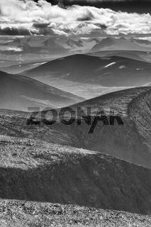 Blick vom Kebnekaisefjaell zum Sarek Nationalpark, Lappland