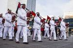Abu Dhabi Police Band auf dem Alexanderplatz, Berlin, Deutschland