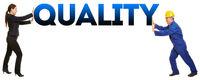 Arbeiter und Geschäftsfrau halten Quality