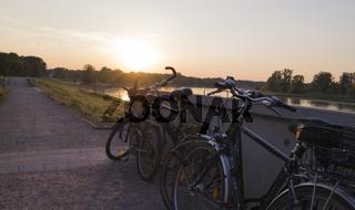 Fahrräder auf dem Elberadweg