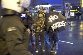 Zusammenstoesse bei rechtsextremer Kundgebung in Dortmund