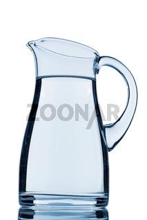 Ein Krug mit Wasser