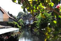 Außengastronomie an der Ill in Colmar
