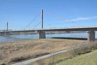 D--Leverkusen--Rheinbrücke.jpg