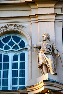 fassadenfigur stadtpaleis gent belgien