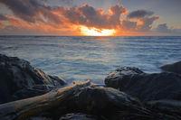 traumhafter Sonnenaufgang am Anse Baleine, Mahe Ostküste, Seyche