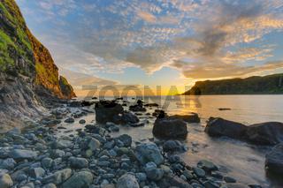 Die Talisker Bay auf der Isle of Skye