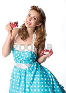 pin up girl trinkt eine tasse kaffee