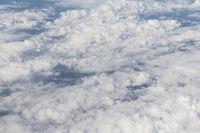 Wolkenhimmel in weiß und blau