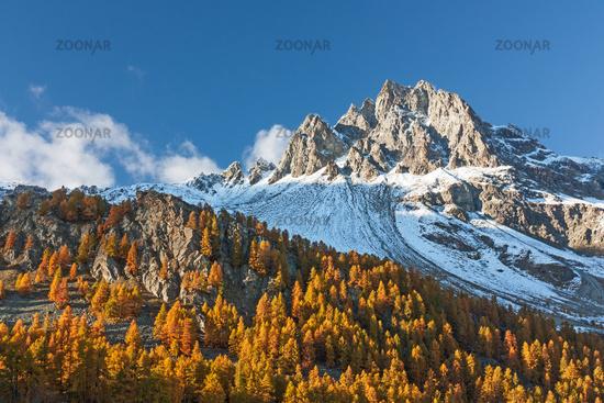 Piz Lagrev im Engadin im Herbst