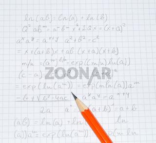 Bleistift mit Formeln