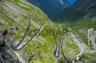 Serpentinenreiche Trollstigen Passstrasse, Norwegen