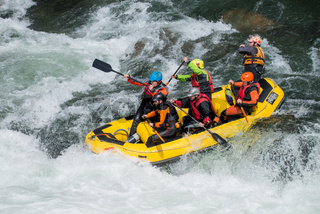 Yellow raft team