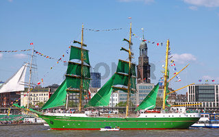 Alexander von Humboldt II bei der Auslaufparade vom 827. Hamburger Hafengeburtstag 2016; Impressions of the 827th Birthday of the Port of Hamburg 2016, last day, Germany