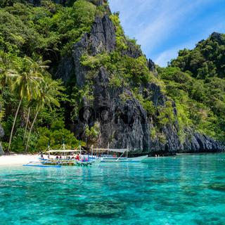 Small beach in El Nido, Palawan - Philippines
