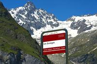 Bushaltestelle Les Granges des Transportunternehmens TMR vor dem Gipfel Tour Noir