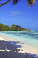 Strand und Granitfelsen am Anse La Reunion, Insel La Digue, Seyc