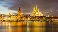Rathaus, Colonius Fernsehturm, Groß St. Martin, Kölner Dom, Altstadtufer, Rhein, Köln, Rheinland, Nordrhein-Westfalen, Deutschland, Europa