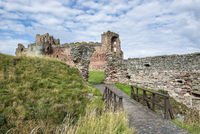The ruins of Tantallon castle