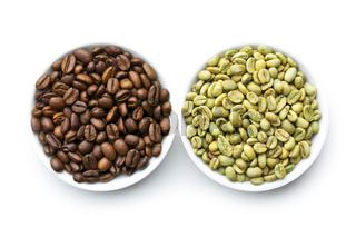 roasted and unroasted coffee beans