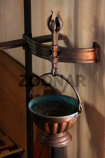 Weihwasserkessel aus Kupfer