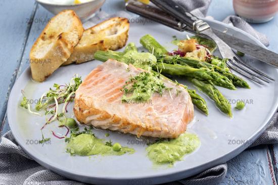 Salmon with Green Asparagus