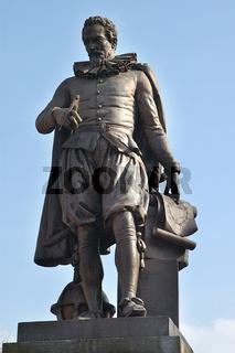 simon stevin statue in bruegge