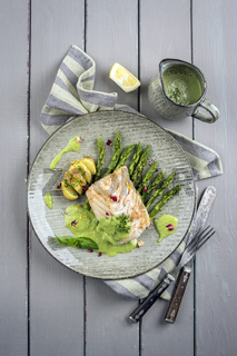 coalfish fillet with green asparagus