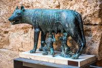 Bronze sculpture of Capitoline Wolf