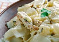 Italian pasta with chicken and cream sauce