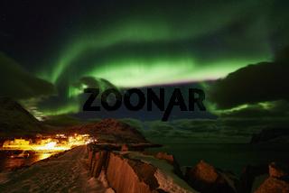 Nordlicht (Aurora borealis), Mefjordvaer, Mefjorden, Senja, Norwegen