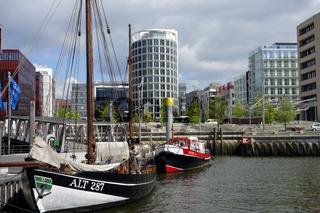 Museumshafen in der Hafen-City Hamburg.jpg