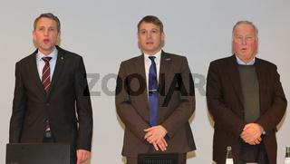 Fraktionsvorsitzender MdL Björn Höcke (AfD Thüringen),Landesvorsitzender der AfD in Sachsen-Anhalt André Poggenburg und Fraktionsvorsitzender MdL Dr. Alexander Gauland (AfD Brandenburg) während einer Wahlkampfveranstaltung der AfD zur Landtagswahl Sa