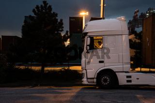 Lastwagen Pause am Containerterminal